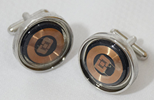 NFCufflinks user contact interface